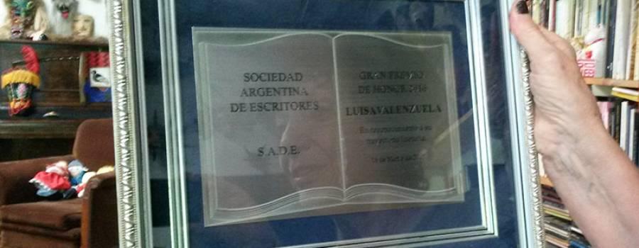 """Acto de entrega del Gran Premio de Honor de la SADE y presentación de """"Novela negra con argentinos"""""""
