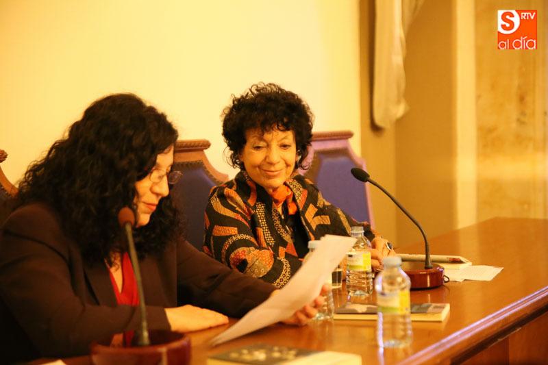 Junto a la doctora Francisca Noguerol Jimenez.